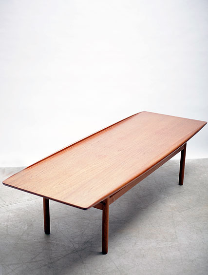 Grete Jalk – Coffee Table